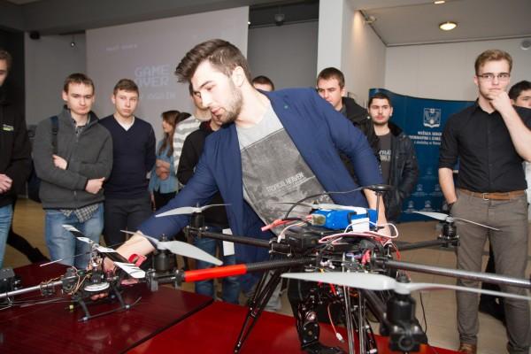 wsiz dron beacon kierunek gry programowanie grafika cisco